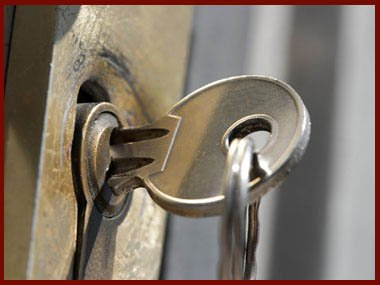 Locksmith Lock Store Bedford, MA 781-205-0872